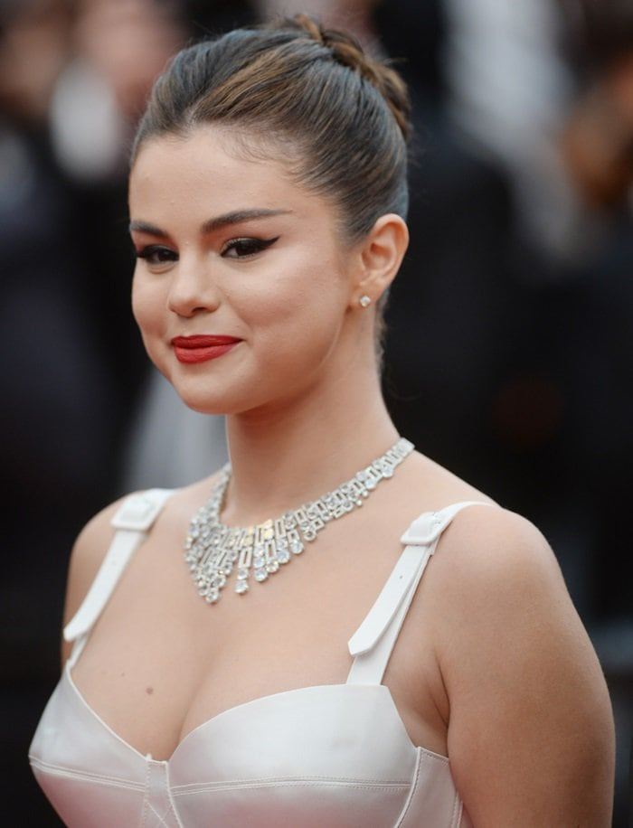 Selena Gomez wore a giant diamond necklace at the premiere of The Dead Don't Die