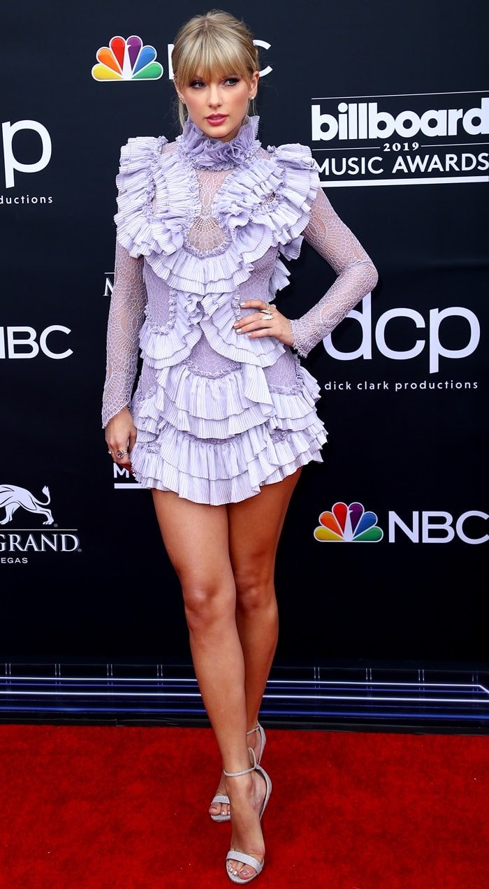 Taylor Swift paraded her legs at the 2019 Billboard Music Awards held at the MGM Grand Garden Arena in Las Vegas on May 1, 2019