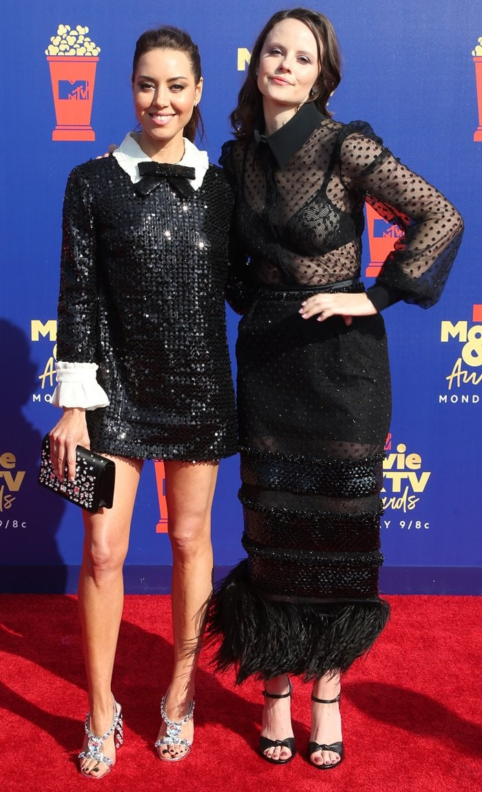 Sarah Ramos and Aubrey Plaza attend the 2019 MTV Movie and TV Awards
