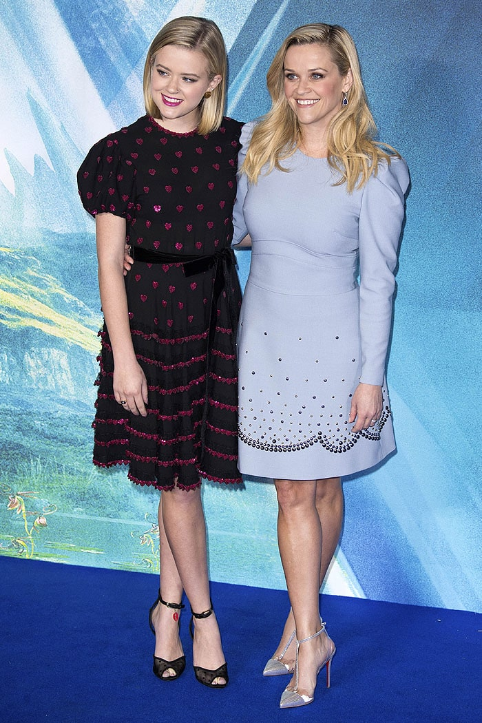 Ava Phillippe and Reese Witherspoon in puff-sleeve dresses