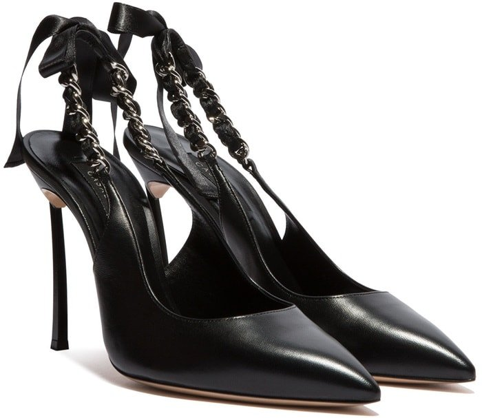 These chic Kelly Blade slingbacks will highlight your outfit