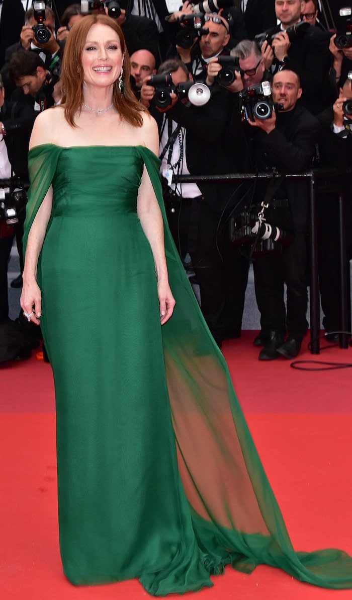 Julianne Moore looked divine with her red hair in a green Dior Haute Couture gown
