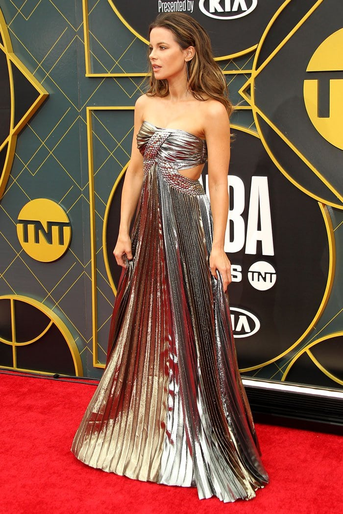 Kate Beckinsale in a silver-and-gold dress at the 2019 NBA Awards