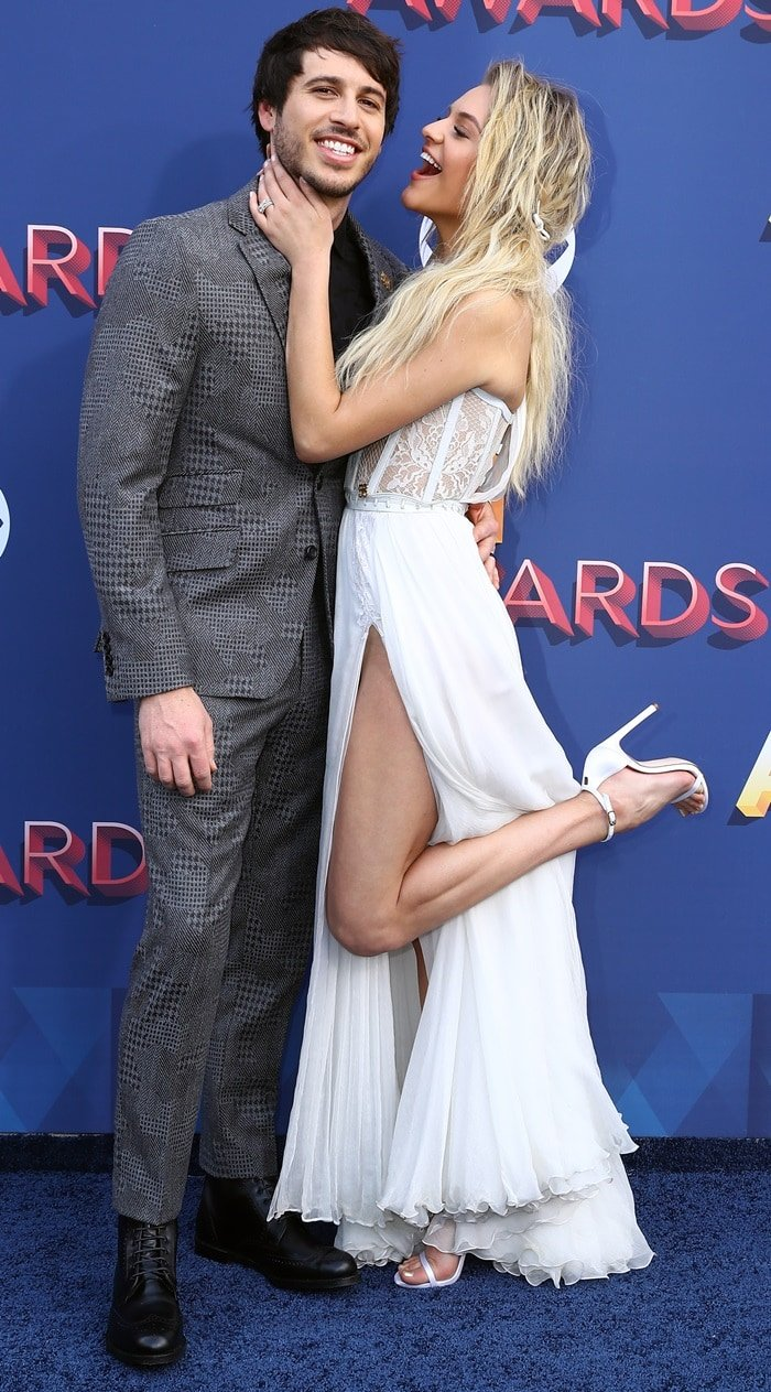 Kelsea Ballerini and her new husband Morgan Evans at the 2018 Academy of Country Music Awards