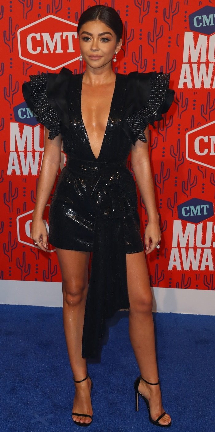 Sarah Hyland flaunted her legs at the 2019 CMT Music Awards