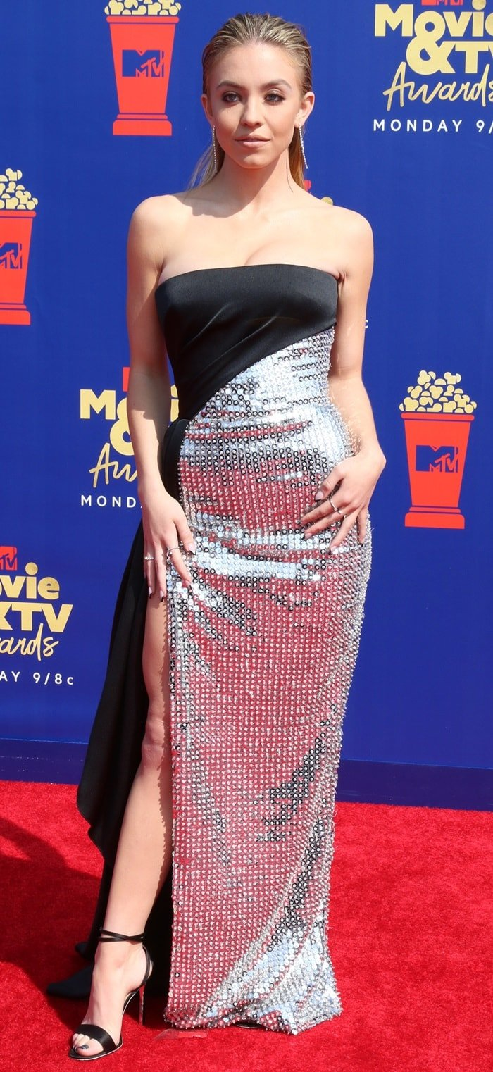 Sydney Sweeney didn't have the height to wear her dazzling gown