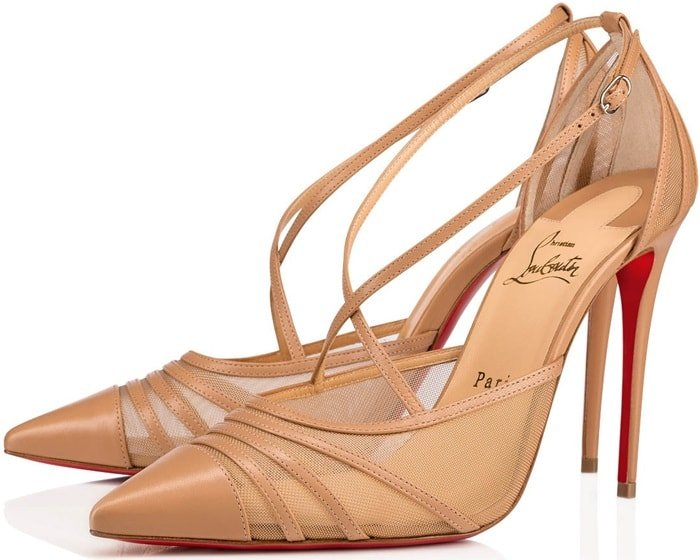 Avant-gardiste, the Theodorella nude kidskin pump, structured with Rete, grips the foot with its thin lashes at the toe