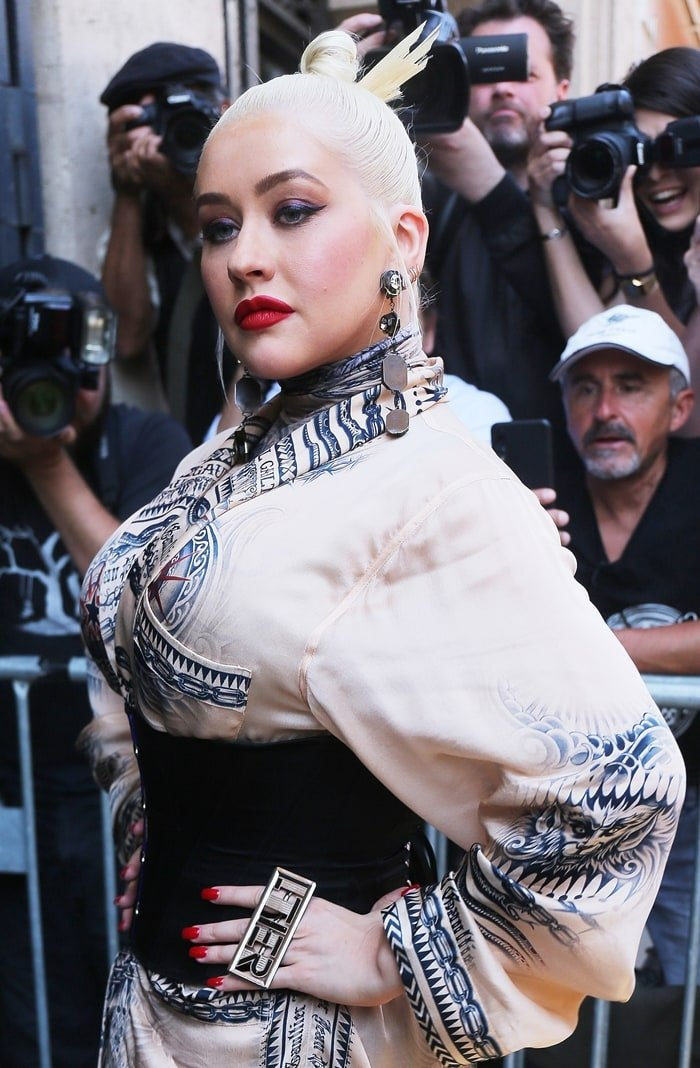 Christina Aguilera's platinum ballerina bun and silk kimono