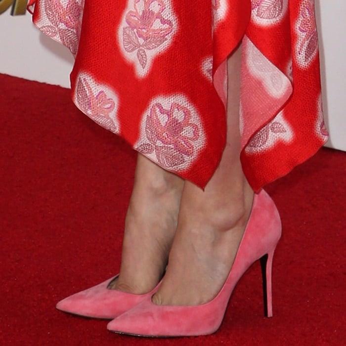 Judy Greer's hot feet in pink Stella Luna shoes