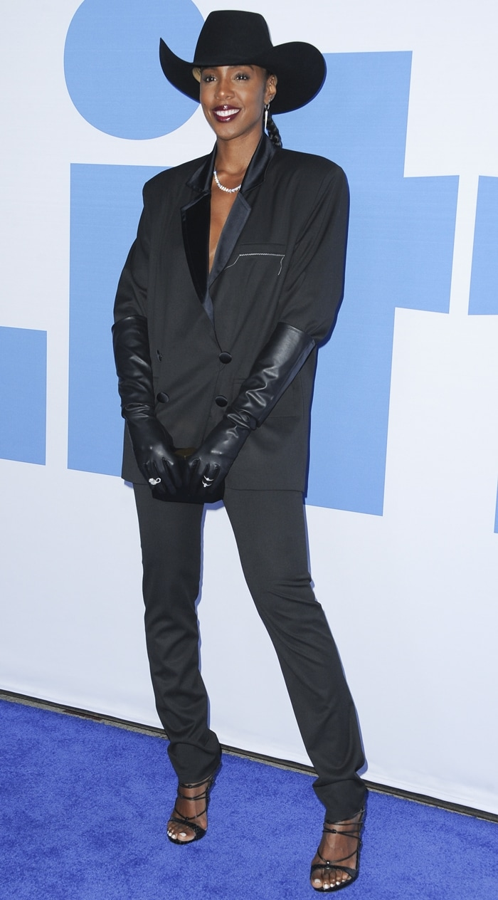 Kelly Rowland wore all black on the blue carpet while attending the premiere of Little