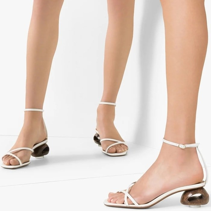 These white Neous Phippium 55 leather sandals are the result of fine Italian craftsmanship