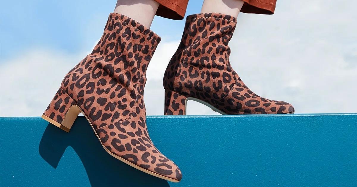 Easy To Wear Niki Ankle Boots In Black Burgundy Leopard