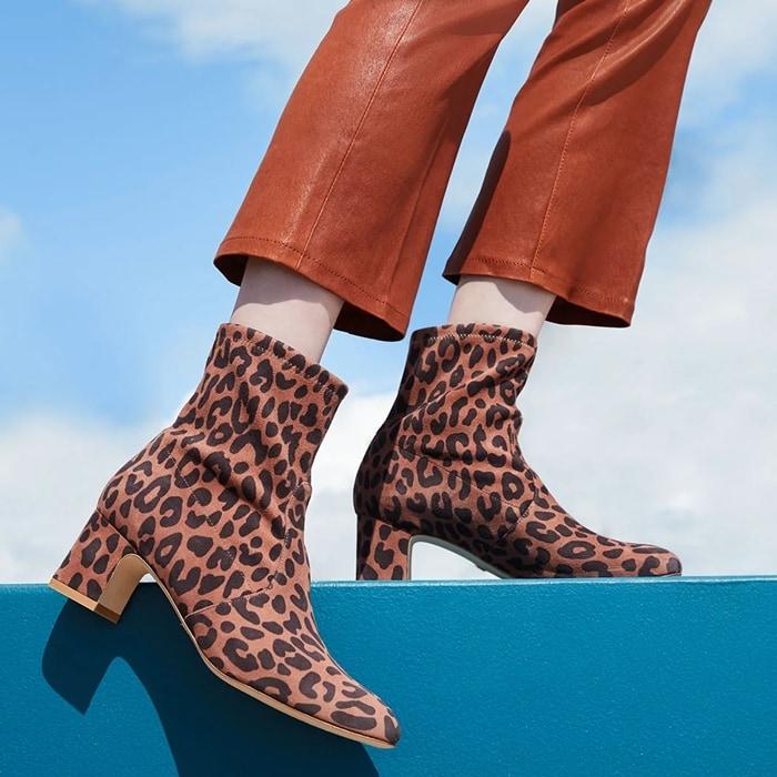 "Stuart Weitzman ""Niki"" leopard-print suede boots"