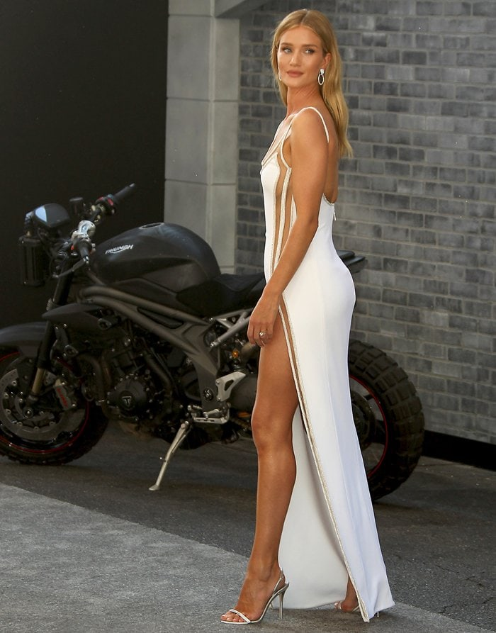 Rosie Huntington-Whiteley went commando in a sultry white Atelier Versace naked dress