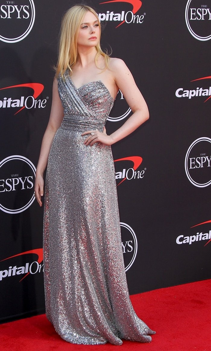 Elle Fanning brought sex appeal and glamour to the 2019 ESPYs