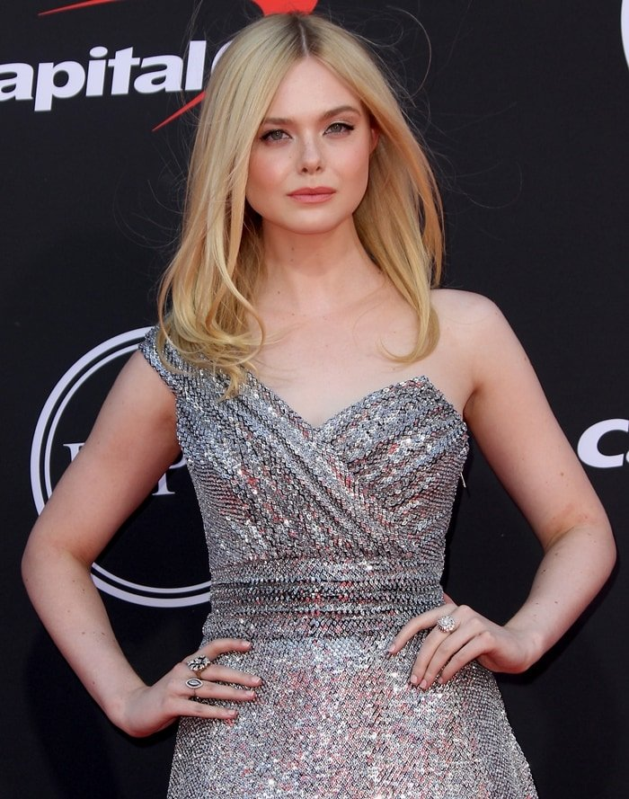 Elle Fanning was pure perfection with her hair done by Jenda Alcorn