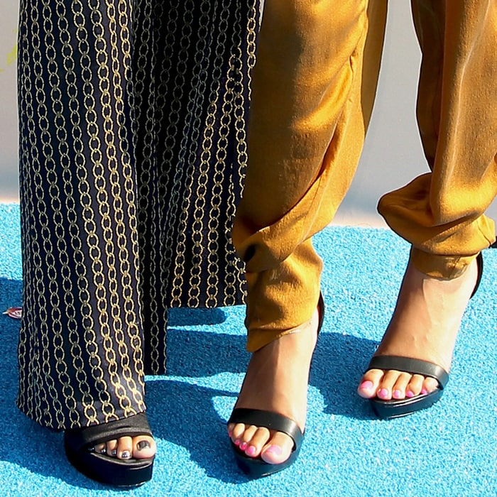 Sisters Chloe and Halle Bailey show off their hot feet