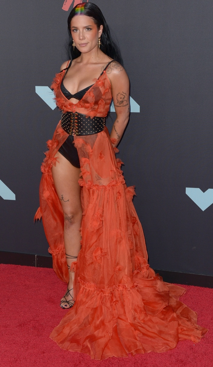 Halsey looked ready for Halloween at the 2019 MTV VMAs