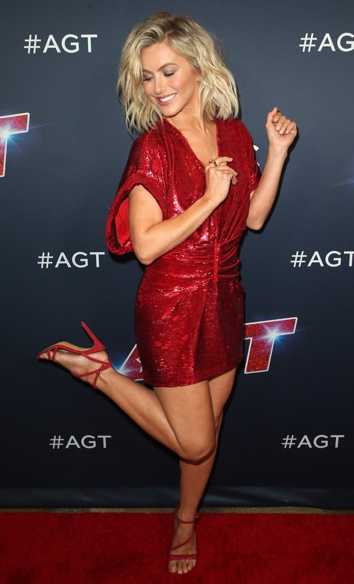 Julianne Hough S Red Sequined Mini Dress At Agt S Quarter