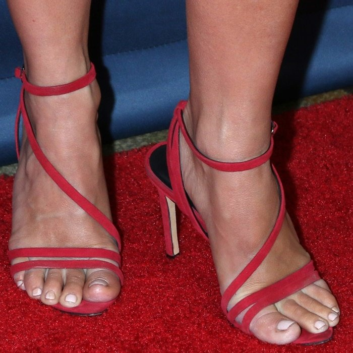 Julianne Hough's sexy pedicured toes