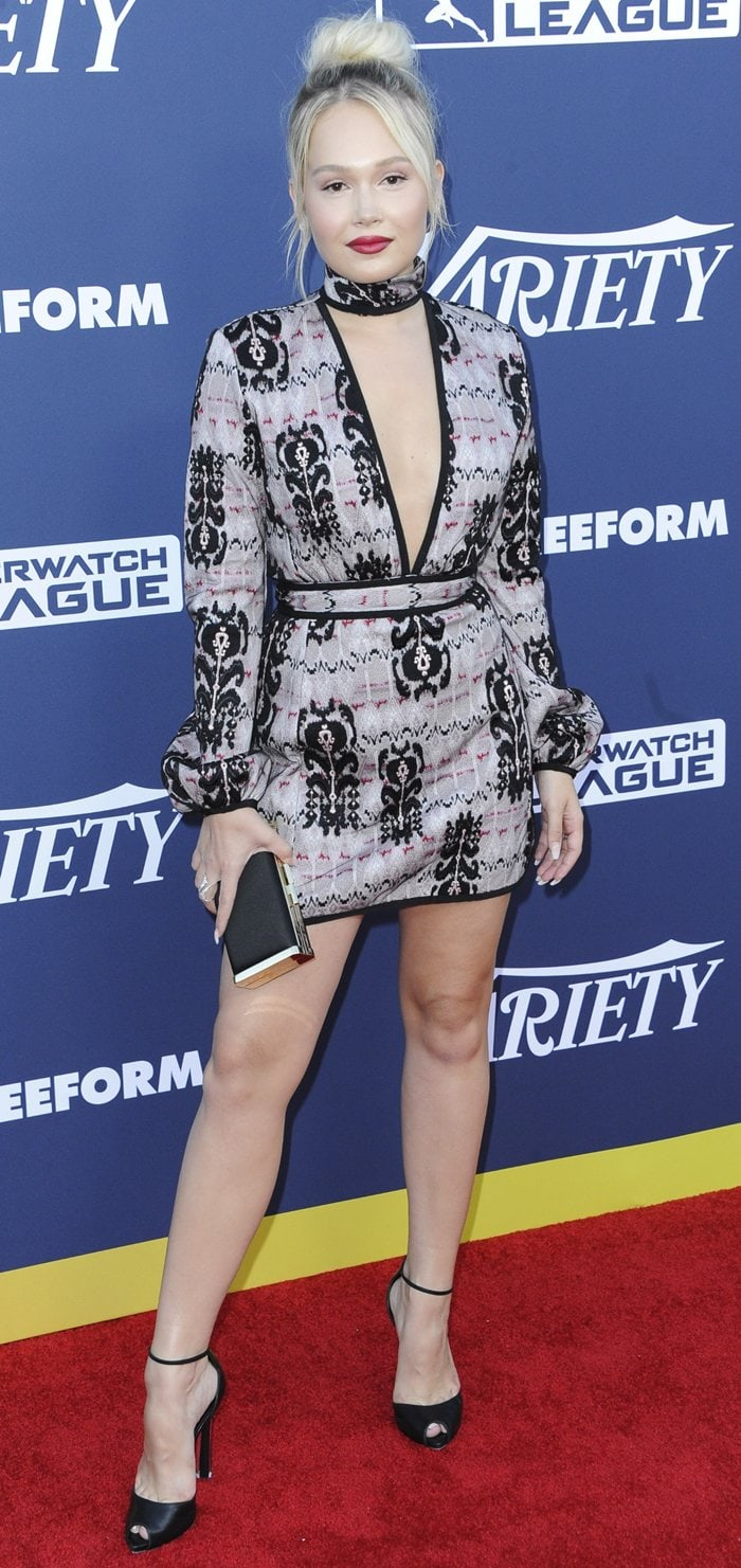 Kelli Berglund flaunts her long legs at Variety's 2019 Power of Young Hollywood event