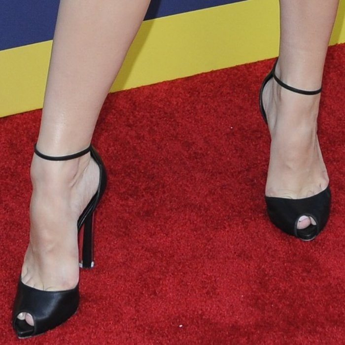 Kelli Berglund's hot feet in black Casadei heels