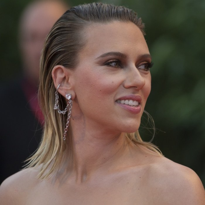 Scarlett Johansson's raccoon eyes, greasy wet hair, and Ana Khouri earpiece