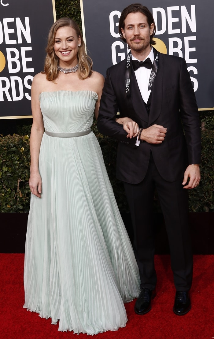 Yvonne Strahovski posing with her husband Tim Loden at the 2019 Golden Globe Awards