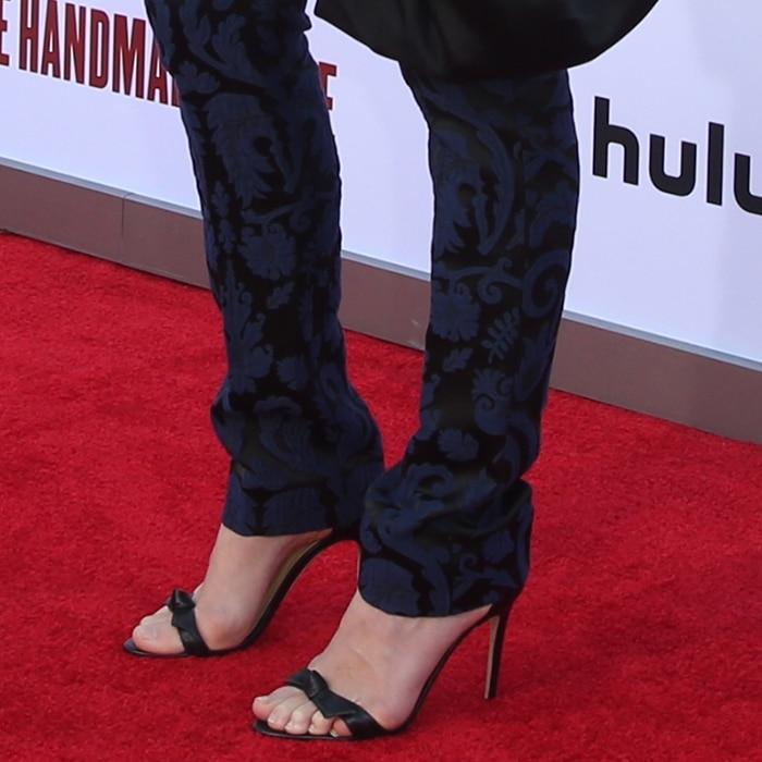 Yvonne Strahovski's sexy feet in Alexandre Birman's suede 'Clarita' sandals