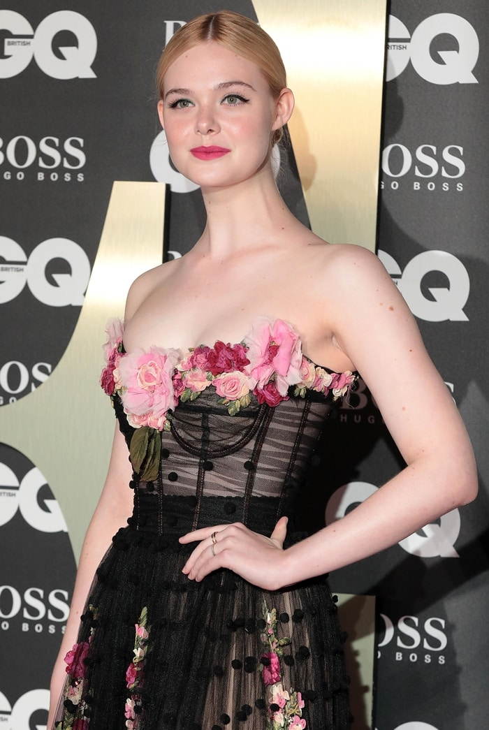 Elle Fanning opted not to wear a necklace with her floral-embellished gown