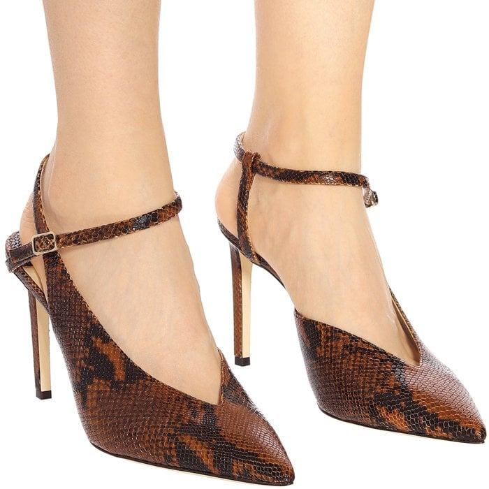 The Sakeya 100 is a classic and elegant style, crafted from snake printed leather