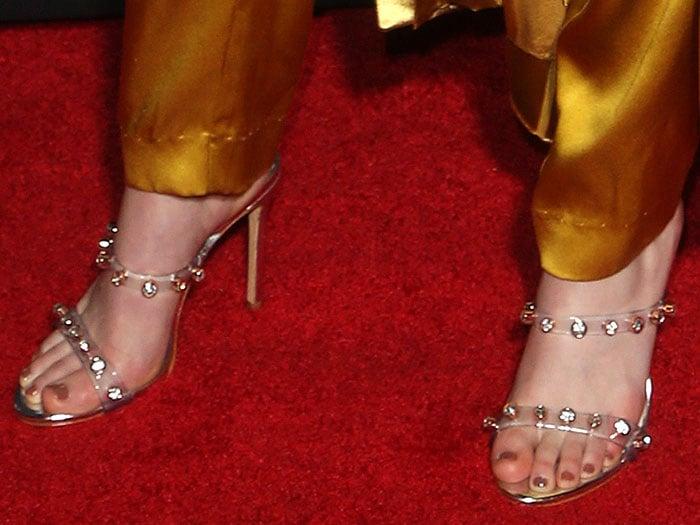 Lydia Hearst's feet in silver Sophia Webster 'Rosalind Gem' sandals