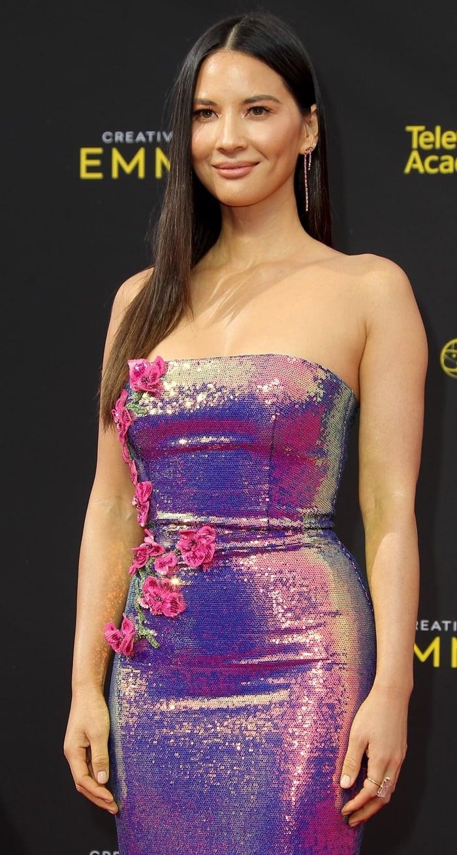 Olivia Munn glittered like a purple sun a sequined dress