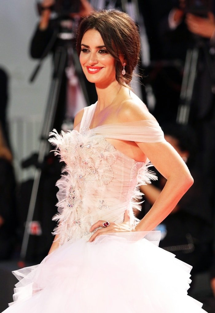 Penelope Cruz styled her white tulle multi-layered ballgown with Atelier Swarovski Fine Jewelry