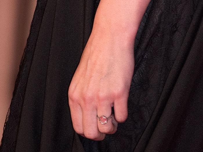 Rooney Mara's diamond engagement ring