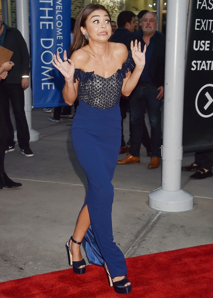 Sarah Hyland's blue crepe gown from the Pamella Roland Fall 2019 Collection