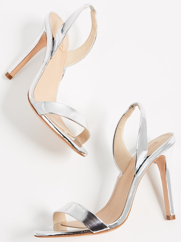 A simple yet splendid style to amplify your ensemble, the silver metallic Luriane dress sandals