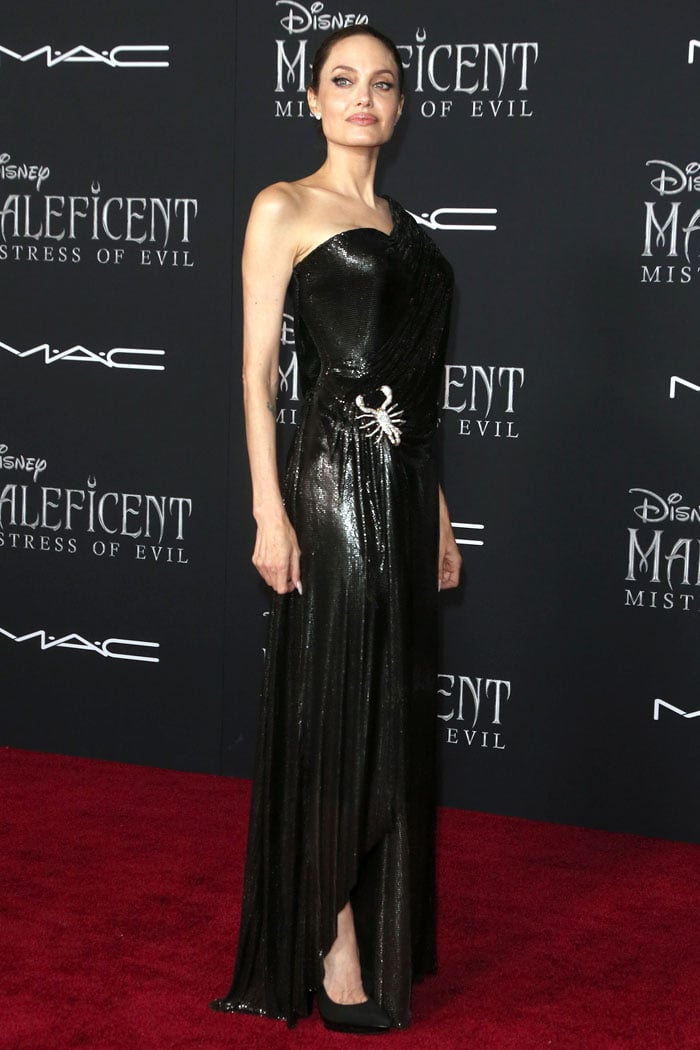 Angelina Jolie in a custom Atelier Versace scorpion-brooch chainmail gown