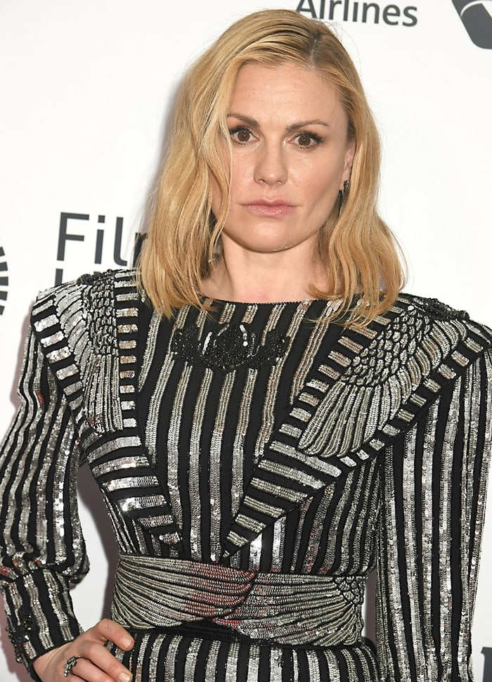 Anna Paquin's dirty hair looked overdue for a shampoo