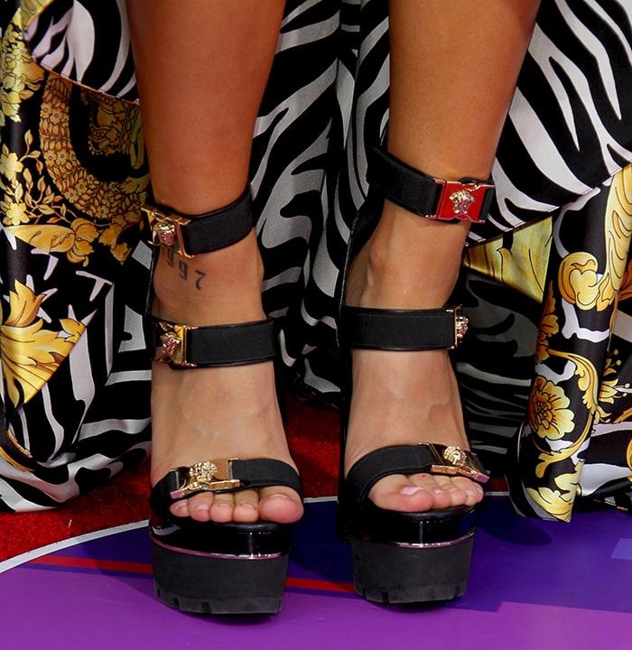 Becky G showed off her sexy feet in Versace platform sandals