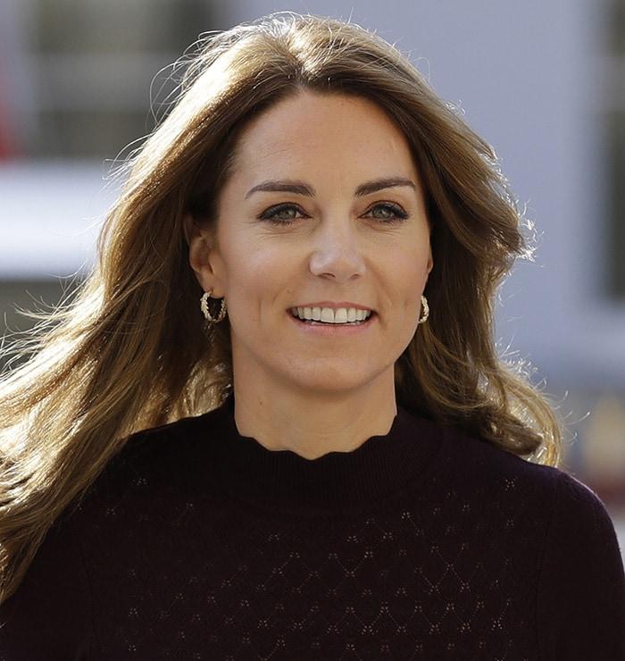 Catherine wearing Asprey oak leaves hoop earrings