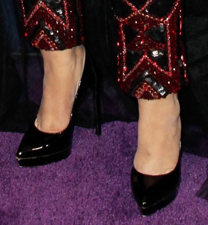 Christina Aguilera wears the classic Saint Laurent Janis Pumps