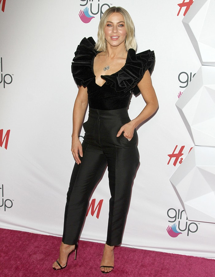 Julianne Hough shows off her figure in an all-black H&M Conscious ensemble