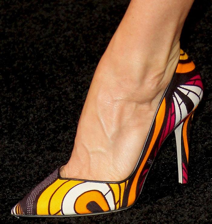 Juliette Lewis in Tamara Mellon psychedelic pumps