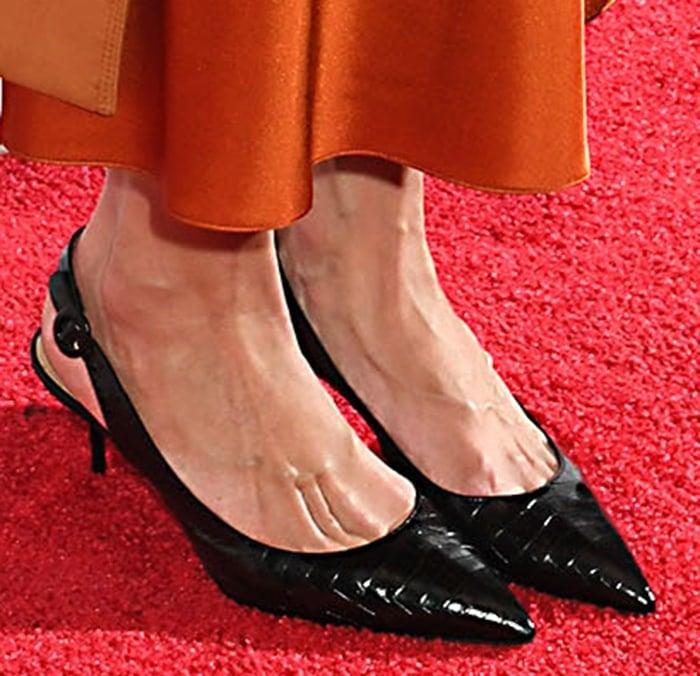 Katie Holmes shows her feet in Aquazzura slingback pumps