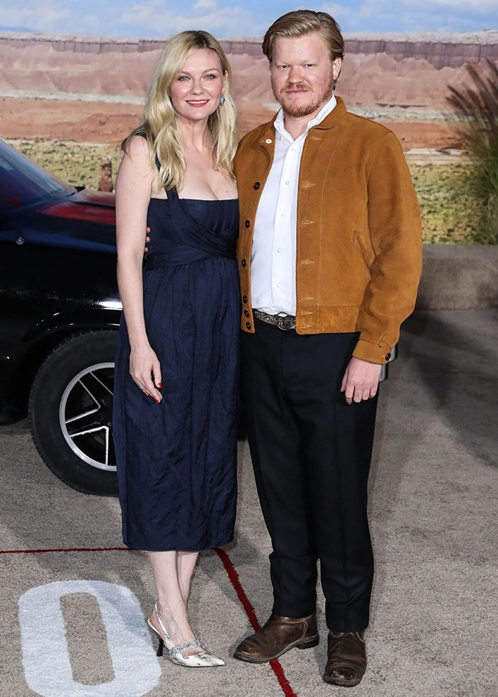 Kirsten Dunst posed alongside fiancé Jesse Plemons at the El Camino: A Breaking Bad Movie premiere in Los Angeles on October 7, 2019