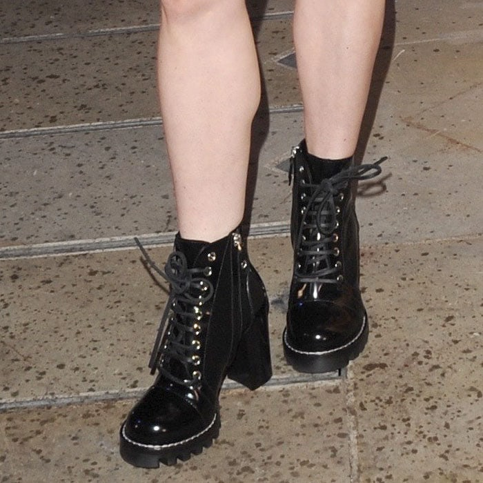 Details of Maisie Williams' Louis Vuitton Star Trail boots