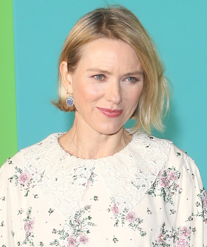 Naomi Watts wears a messy bob with soft makeup