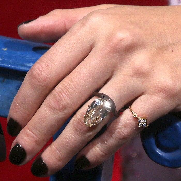 Scarlett Johansson's engagement ring by Taffin