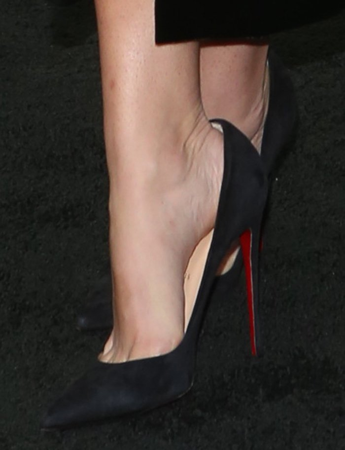 Shantel VanSanten shows off her feet in Christian Louboutin pumps